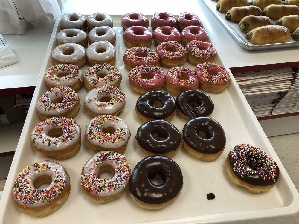 Tasty Cream Donuts: 6631 La Highway 1 S, Addis, LA