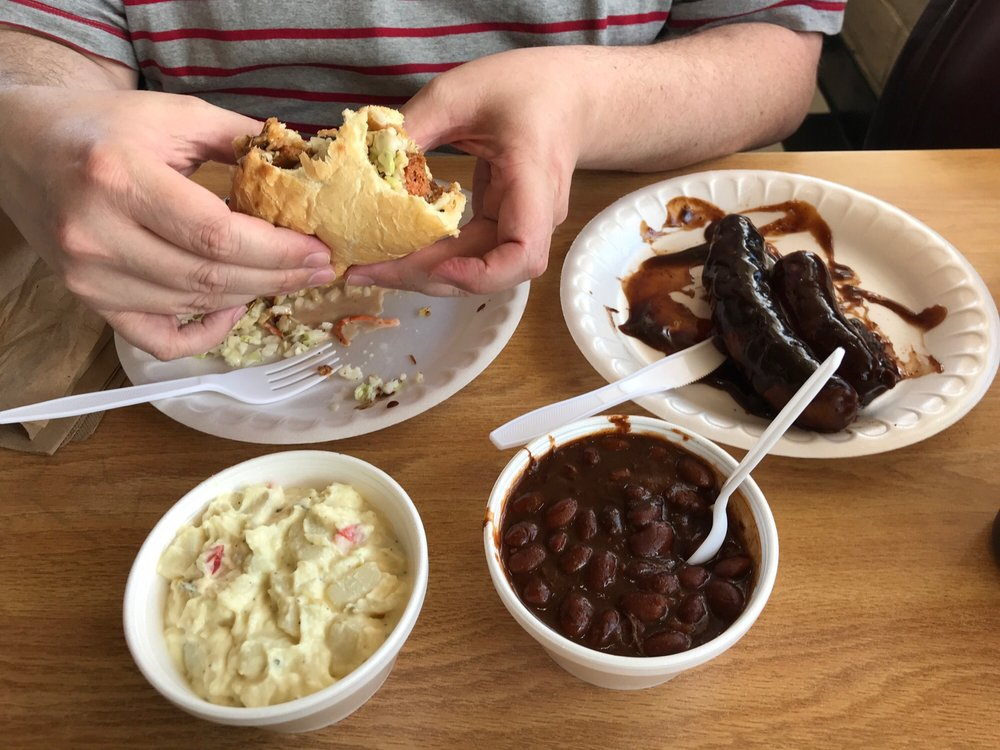 Fat Daddy's BBQ: 942 Hartnell Ave, Redding, CA