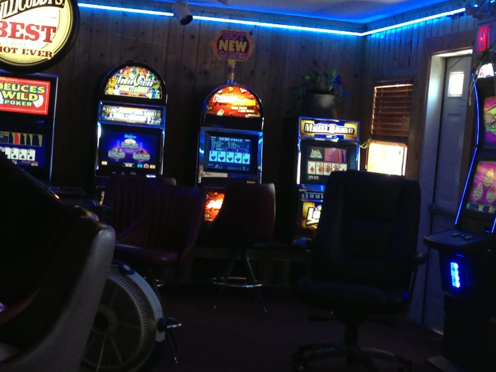 Lost Village Saloon: 2 N Railway Ave, Roberts, MT