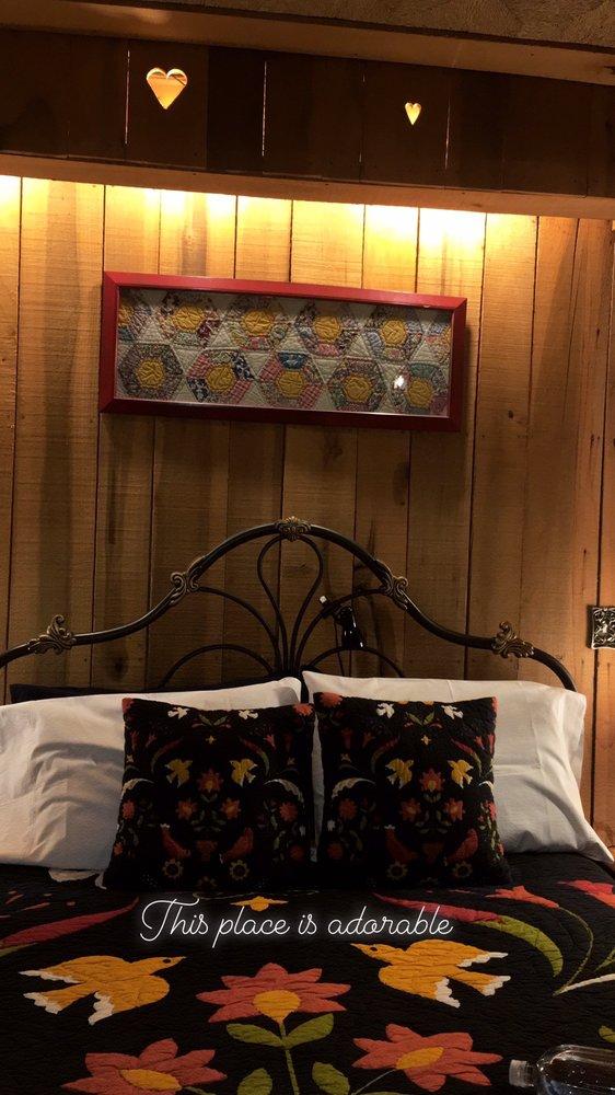 Olde Mill Inn Bed and Breakfast: 603 Pennlyn Ave, Cumberland Gap, TN