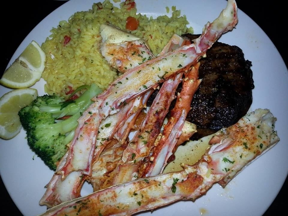 Venetis restaurant steak seafood house 18 reviews for Steak and fish restaurants near me