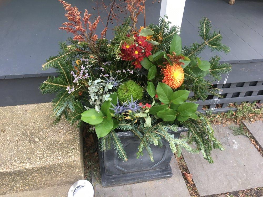 Sparrows Nest Flower Shop, LLC: 65 Sylvania Ave, Neptune City, NJ