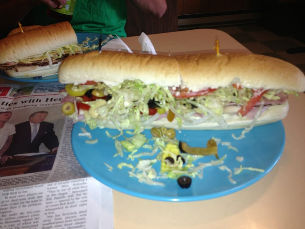 Al's Sub & Pizza Shop: 104 N Main St, Castile, NY