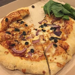 pizza hut terdekat