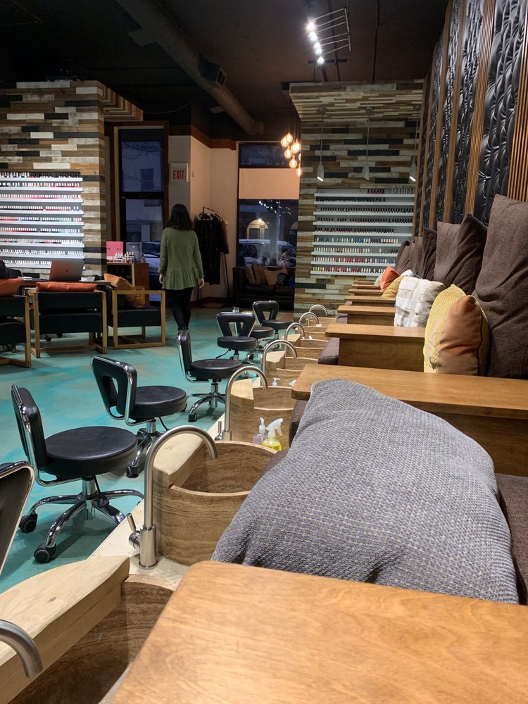 Chamin Nail Studio: 1359 W Grand Ave, Chicago, IL