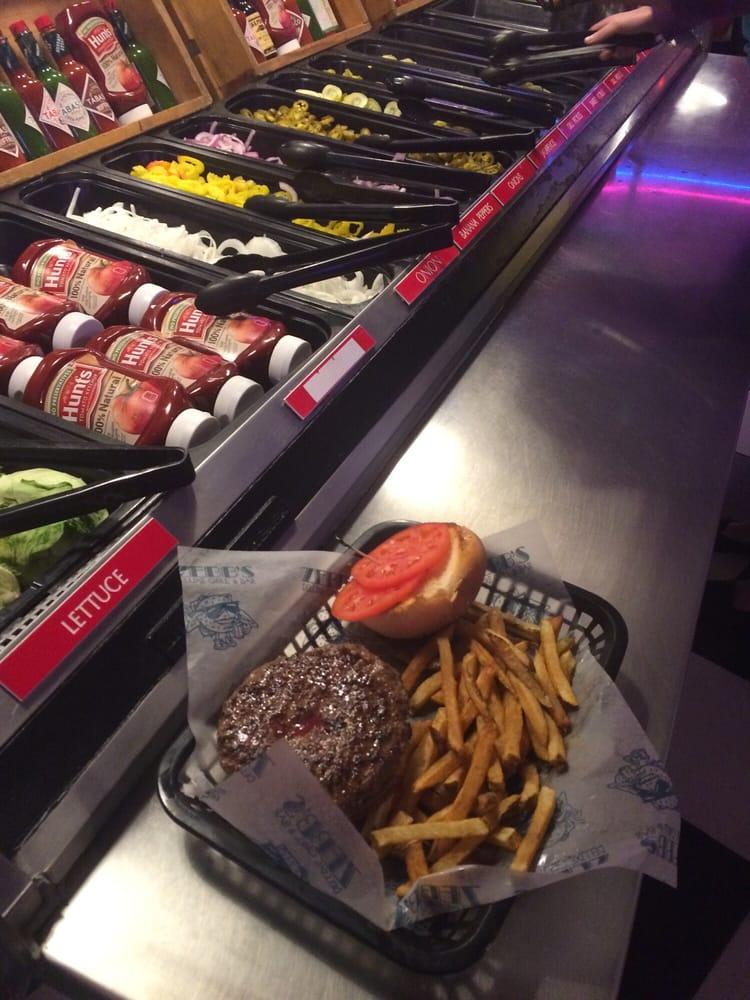 Attirant Photo Of Zebbu0027s Deluxe Grill U0026 Bar   Mattydale, NY, United States. Burger