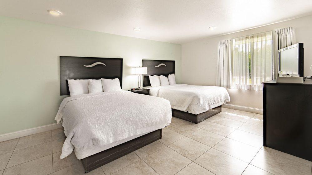 Everglades City Motel - Everglades Adventures Inn