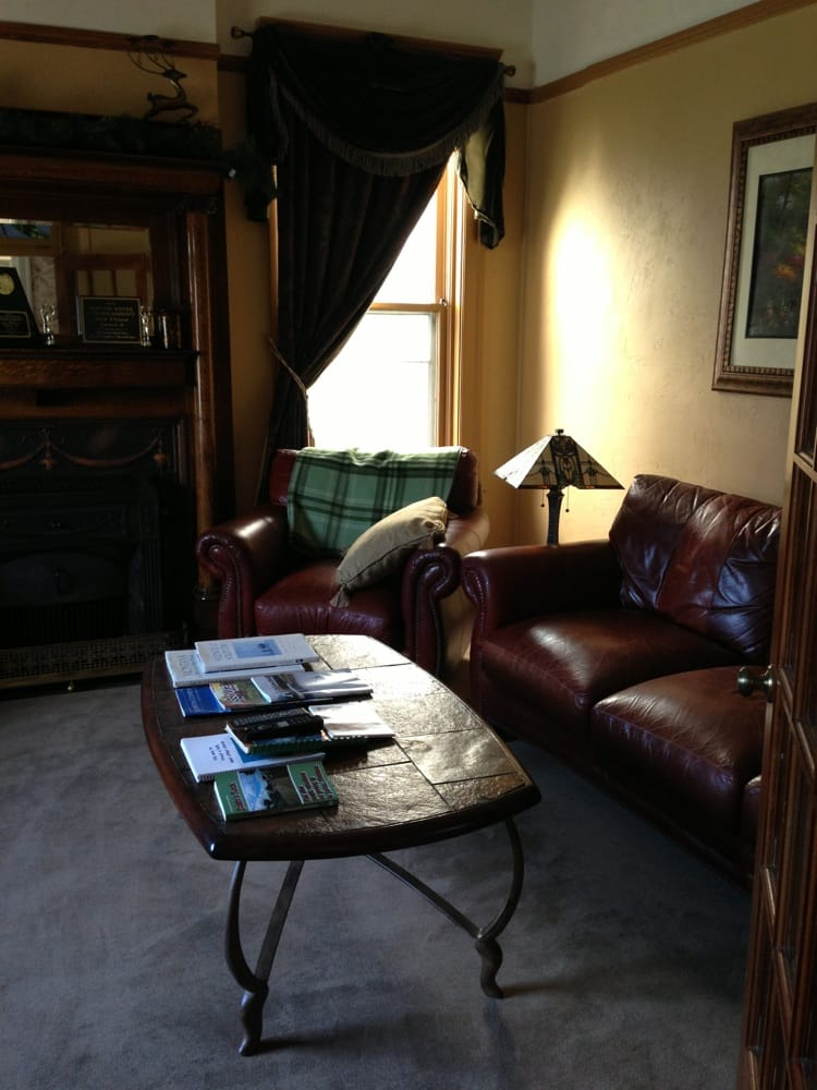 Hickory House Inn: 218 E Park Ave, Anaconda, MT