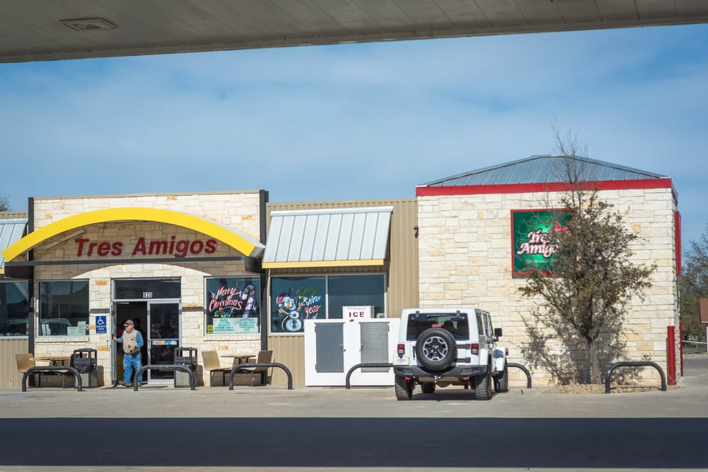 Photo of Tres Amigos Convenience Store: Sterling City, TX