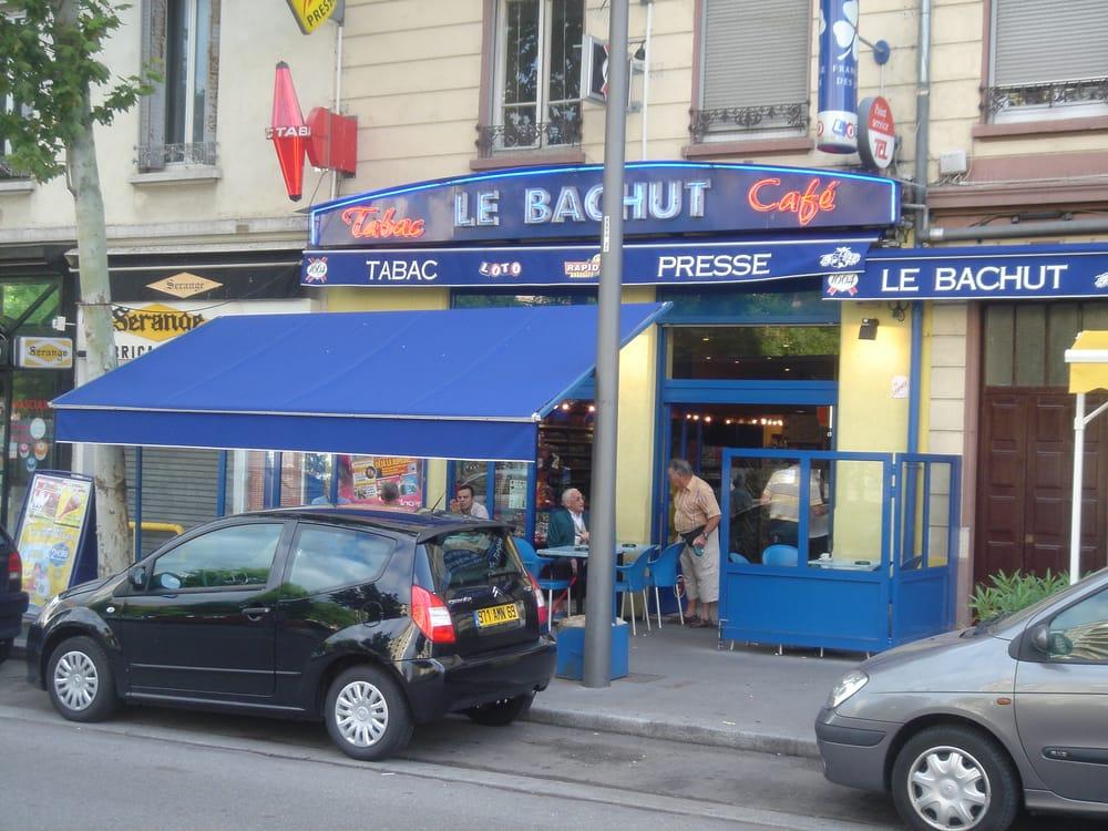 bar tabac le bachut bureaux de tabac 7 place 11 novembre 1918 8 me arrondissement lyon. Black Bedroom Furniture Sets. Home Design Ideas