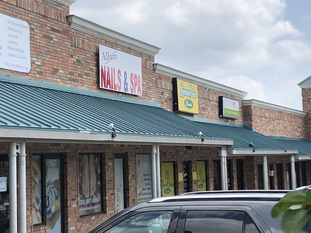Allure Nails and Spa: 1007 S State Hwy 16, Fredericksburg, TX