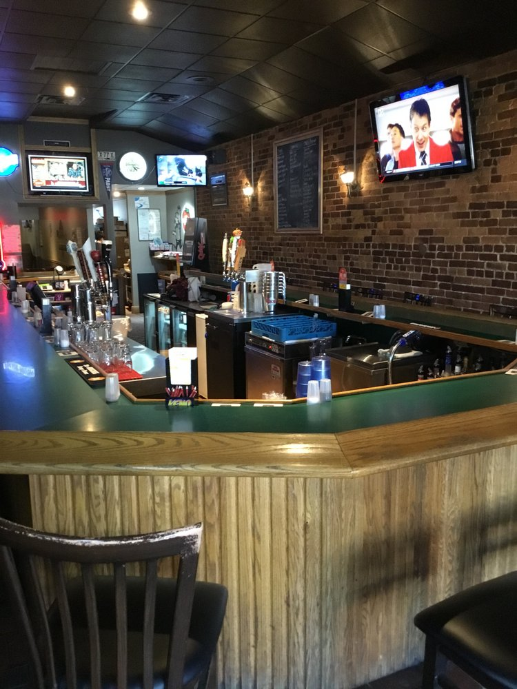 Trotters Pub & Grill: 123 N Main St, New Lexington, OH