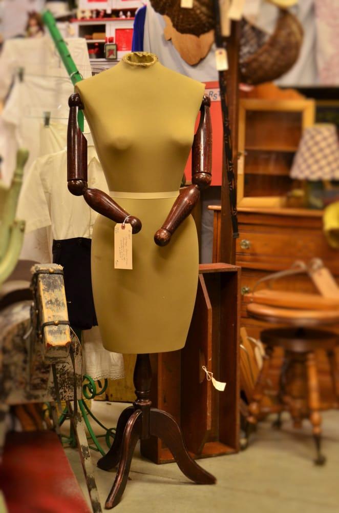 Hylabrook Antique Mall: 204 Chaffin Pl, Murfreesboro, TN