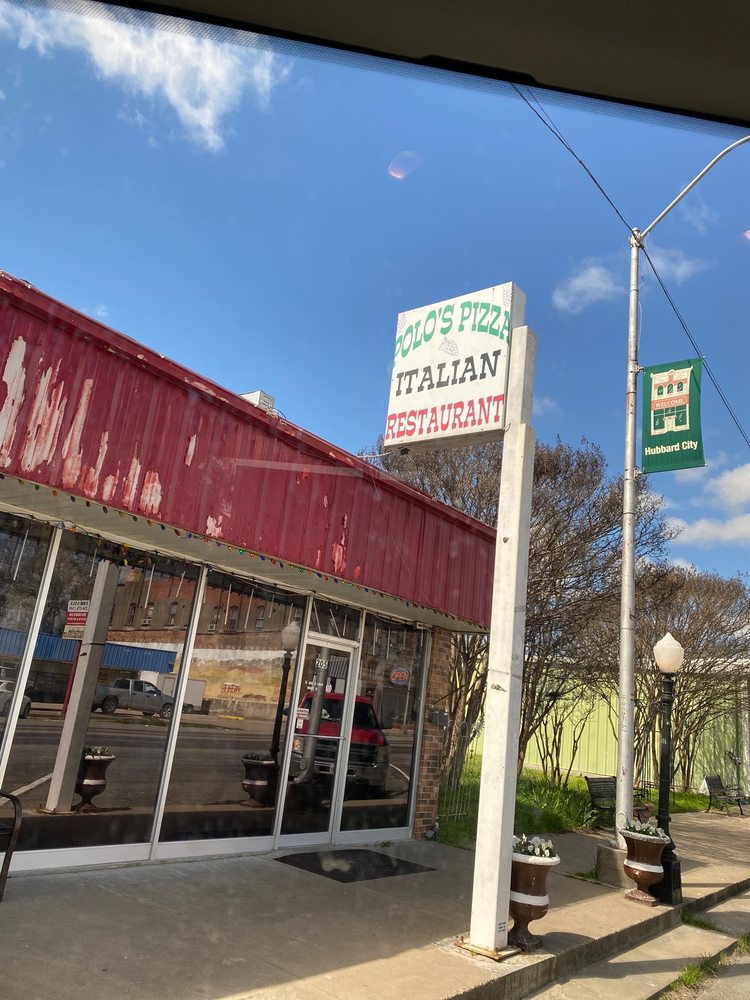 Pizza Pub: 205 Magnolia, Hubbard, TX