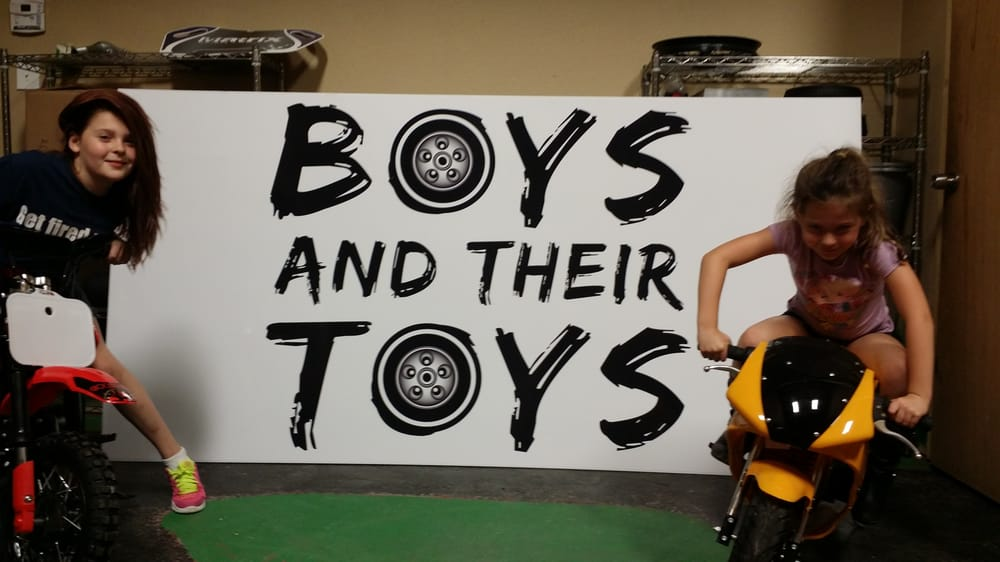 Boys And Their Toys : Boys and their toys negozi di giocattoli navarre
