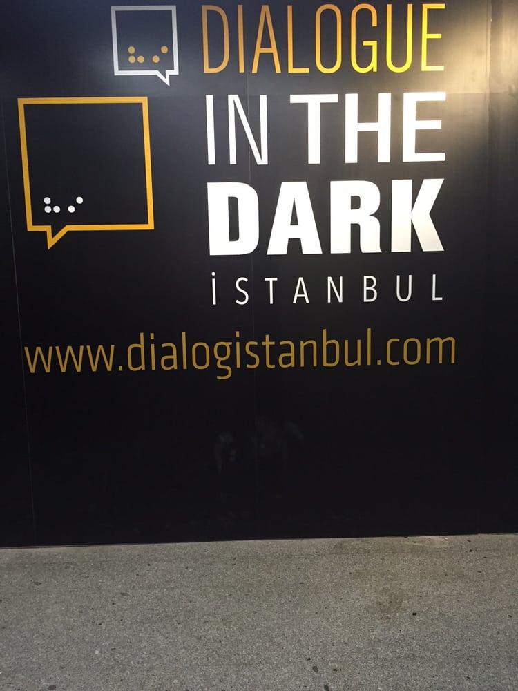 Gayrettepe Metro İstasyonu Dialog Sergi Alanı