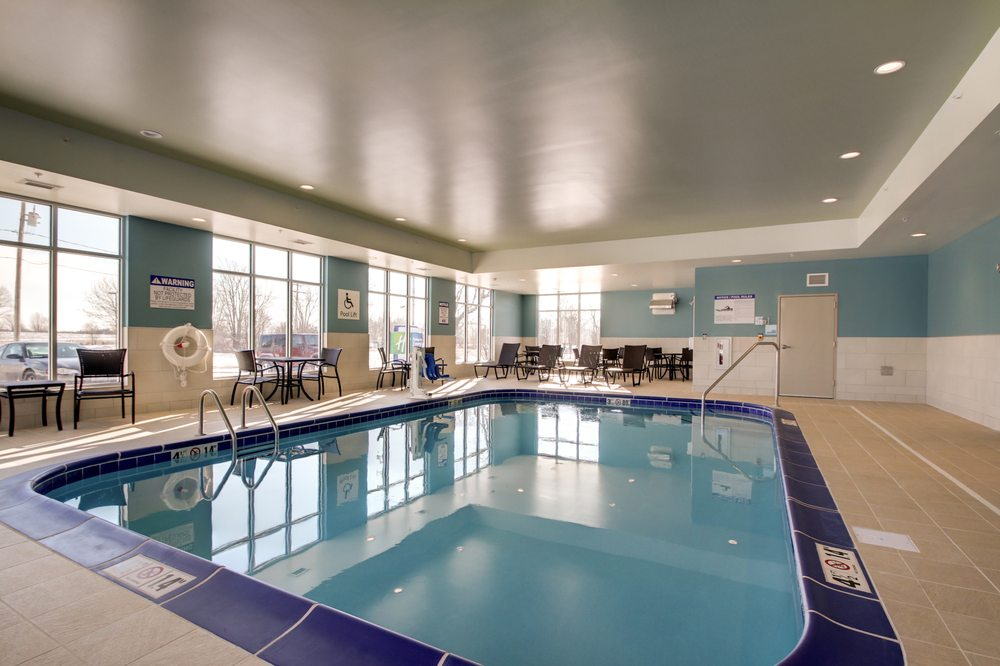 Holiday Inn Express & Suites Galesburg: 2160 E Main St, Galesburg, IL