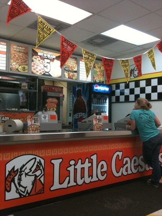 little caesar s pizza pizza 1812 ne miami gardens dr miami fl restaurant reviews phone