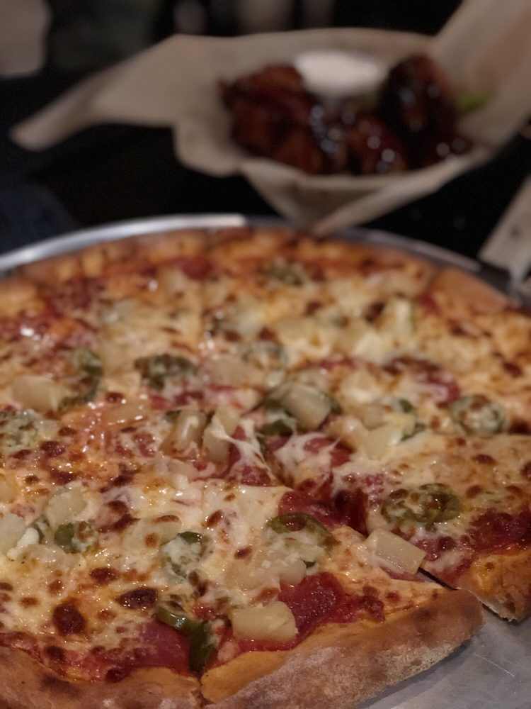 Rocks Wood Fired Pizza & Grill: 3119 Bristol Hwy, Johnson City, TN