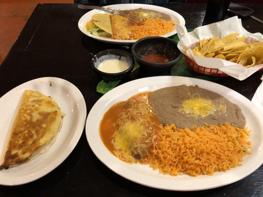 Jalapenos Mexican Restaurant: 13432 Benns Church Blvd, Smithfield, VA
