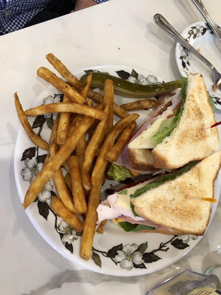 Covington's Dining & Catering: 310 N Patterson St, Valdosta, GA