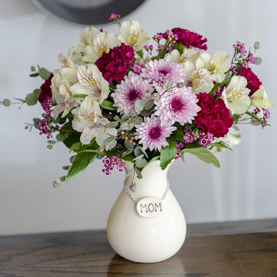 Foister's Flowers & Gifts: 6250 W Kilgore Ave, Muncie, IN