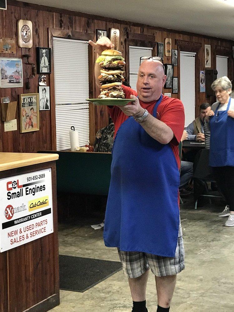 Buckaroo's Family Restaurant: 208 Pleasant Ridge Rd, Huntland, TN
