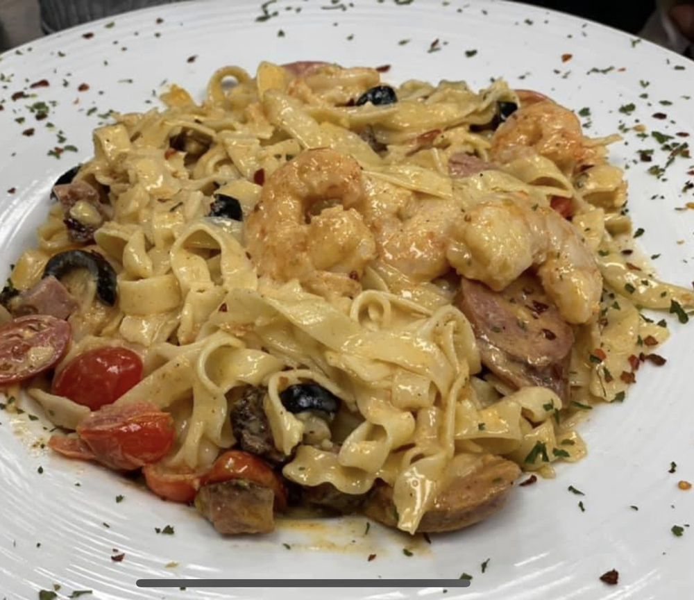 Quebedeaux's Cajun Cafe: 3800 Monroe Hwy, Pineville, LA