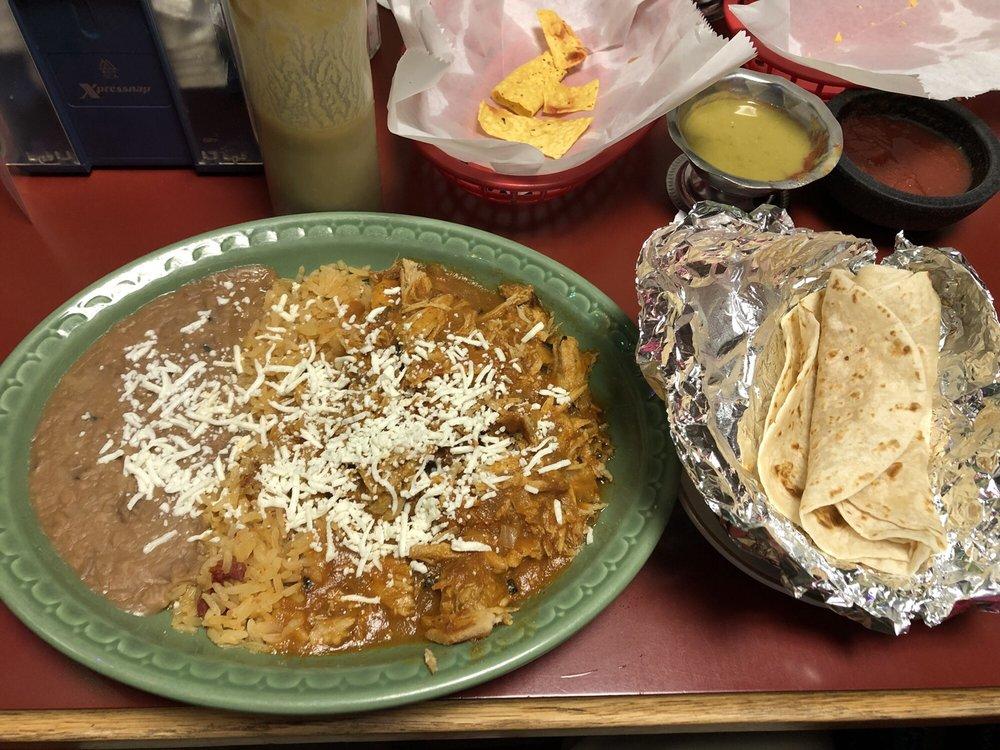 El Pueblo Mexican Grill: 724 1st Ave, Silvis, IL