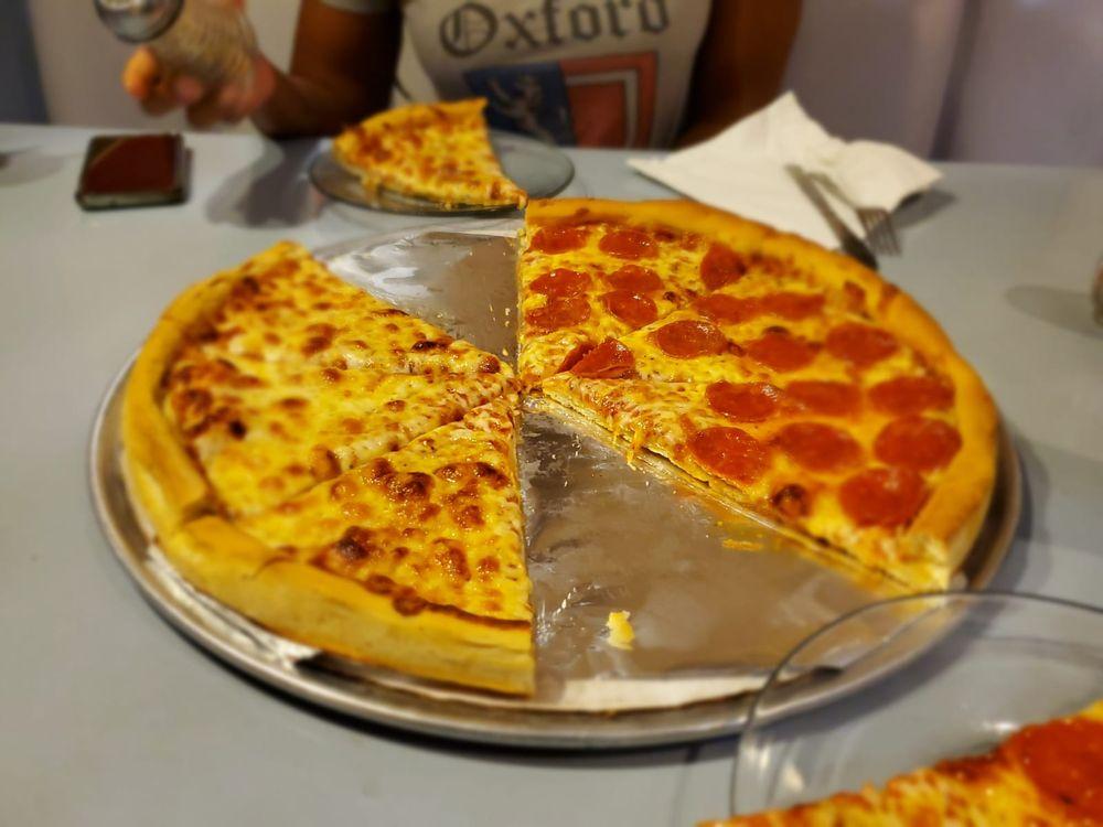 K's Family Pizzeria and Restaurant: 2000 Rio De Janeiro Ave, Punta Gorda, FL