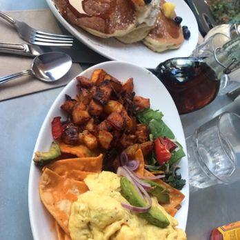 La Mo Cafe Turlock