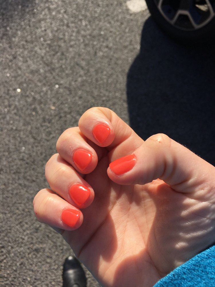 Lovely nails nail salons 181 oxford street for Nail salon oxford