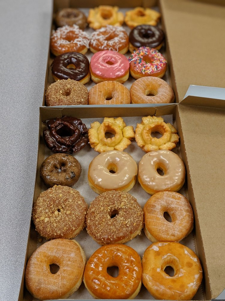 King Donuts: 5520 New Cut Rd, Louisville, KY