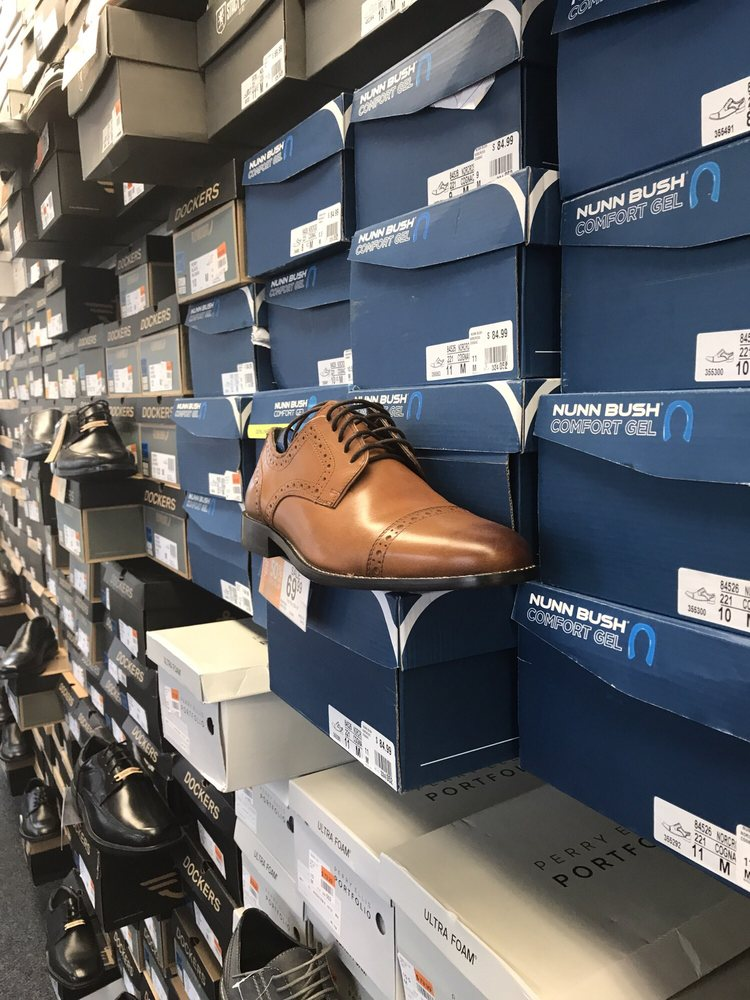 Rack Room Shoes: 4540 Highway 54, Osage Beach, MO