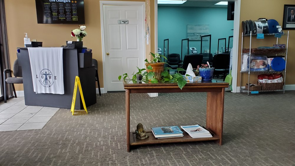 Lowe Chiropactic & Wellness: 10306 Shelbyville Rd, Louisville, KY