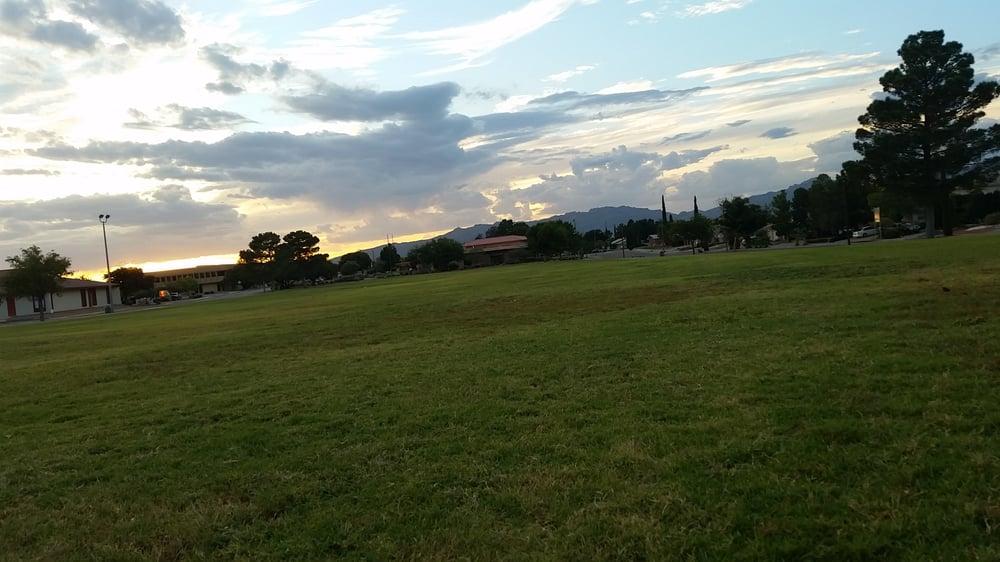 Vista Del Valle Park: 9200-9342 Darlina Dr, El Paso, TX
