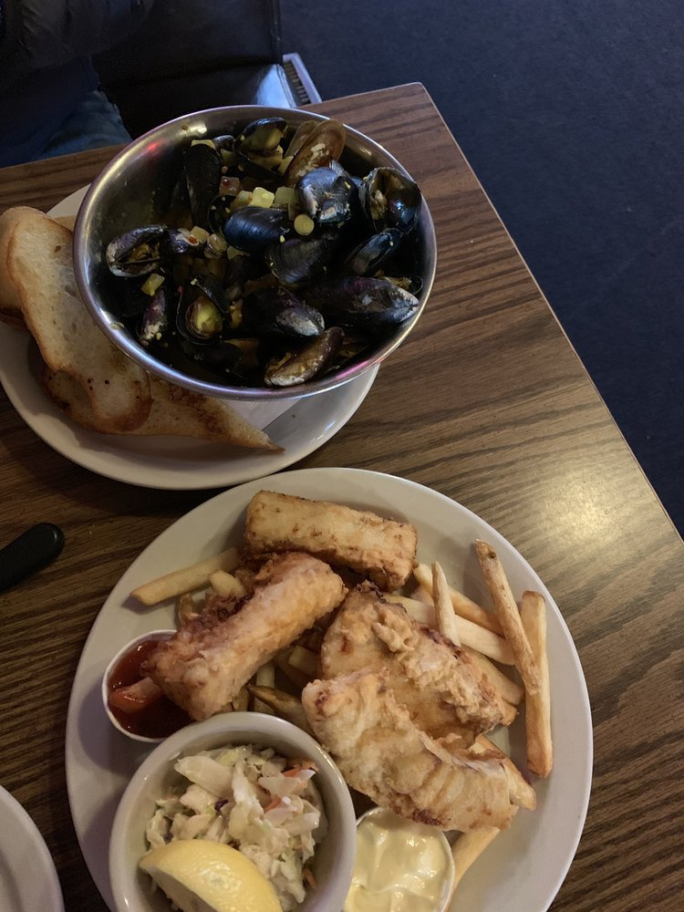 Toby's Tavern: 8 NW Front St, Coupeville, WA