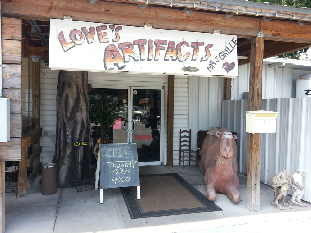 Love's Artifacts Bar and Grill