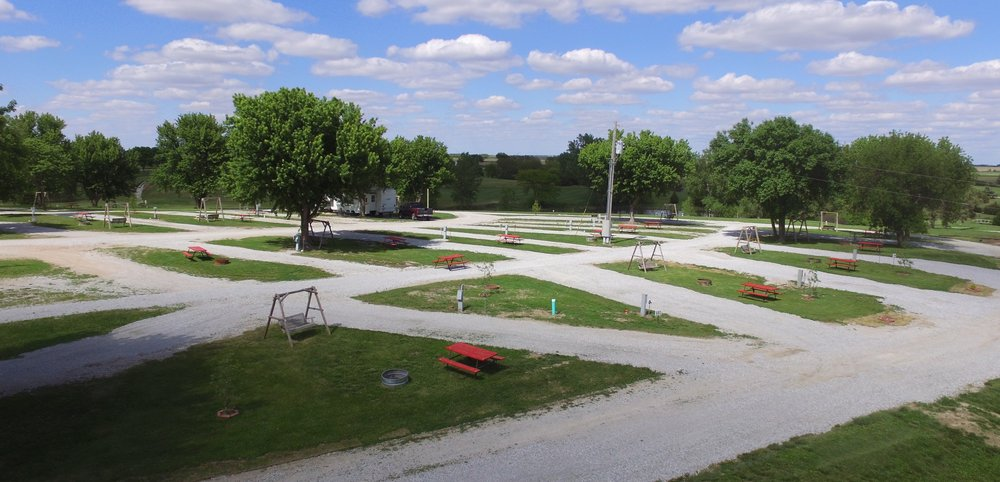 Double Nickel Campground and Resort: 907 Rd S, Waco, NE