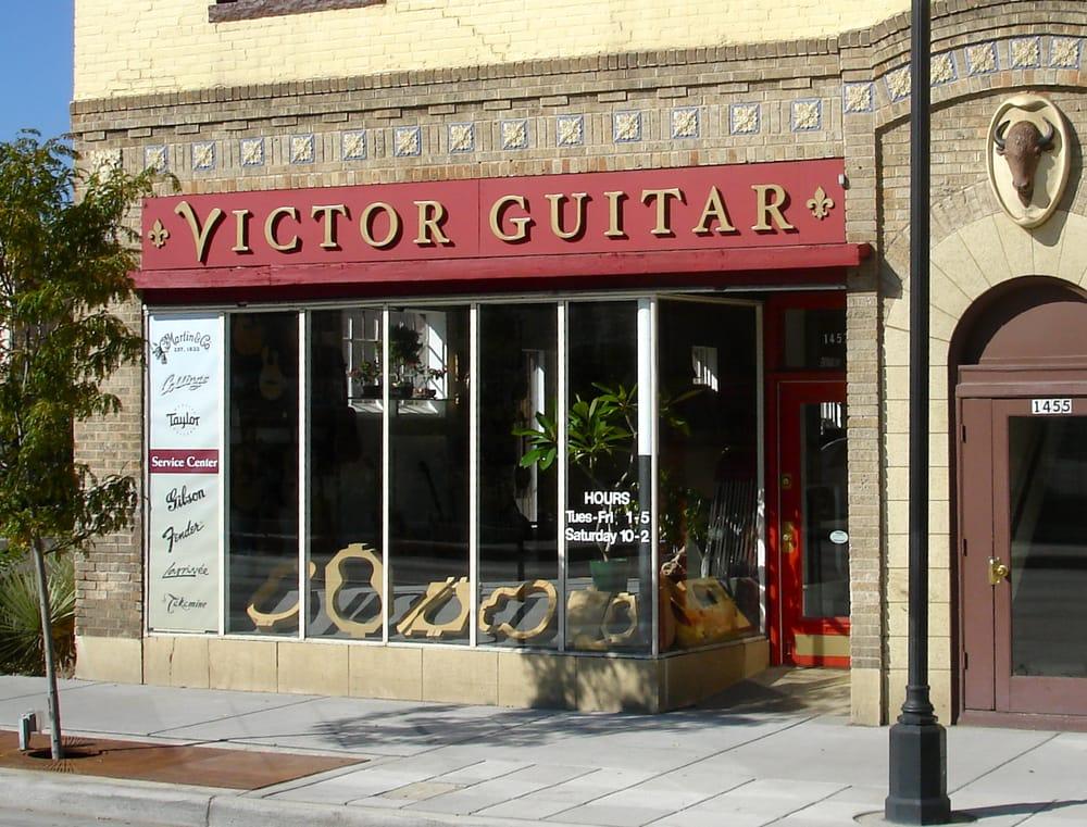 Victor Guitar