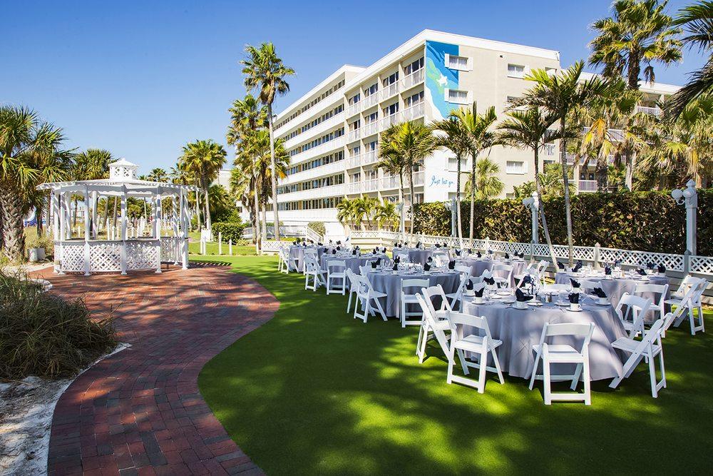 TradeWinds Meetings and Weddings: 5500 Gulf Blvd, St. Pete Beach, FL