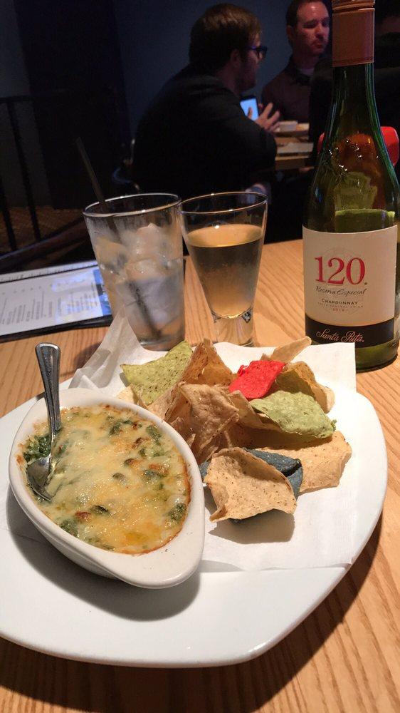 Clarendon Grill: 1101 N Highland St, Arlington, VA