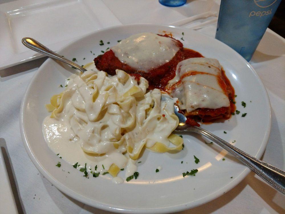 Giovanni's Italian Restaurant: 801 S Key Ave, Lampasas, TX