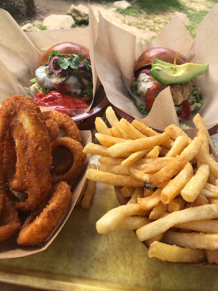 Padaro Beach Grill: 3765 Santa Claus Ln, Carpinteria, CA