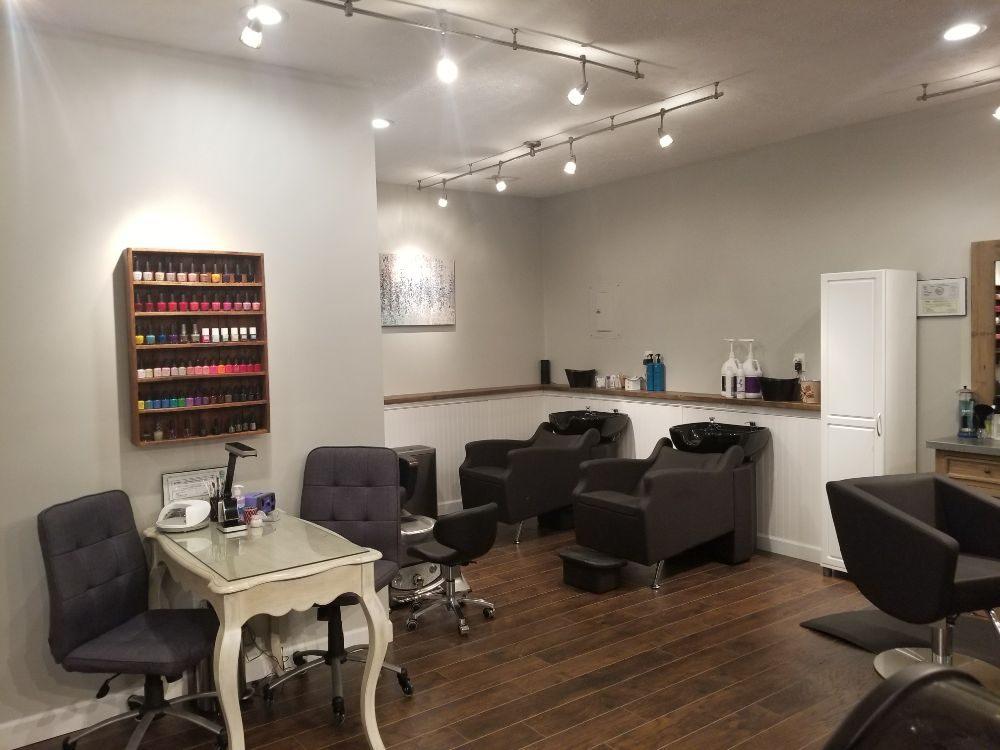 Salon 227: 13128 Winfield Rd, Winfield, WV