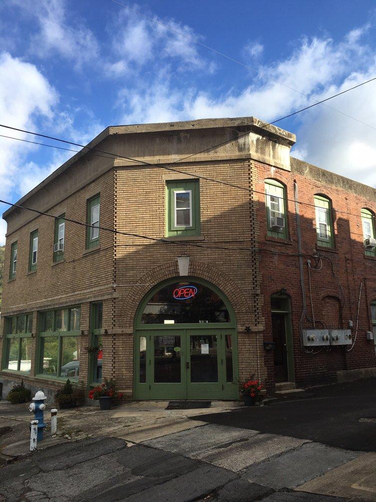 Three Rivers Studios: 211 3rd Ave, Hinton, WV