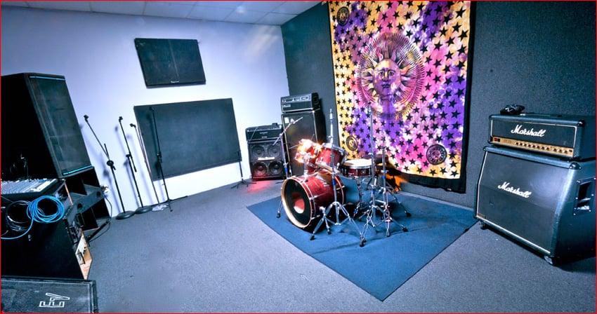 Dare Studios: 261 Suburban Ave, Deer Park, NY