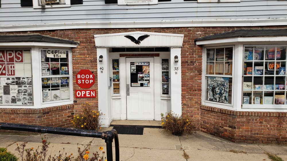 Ray & Judy's Book Stop