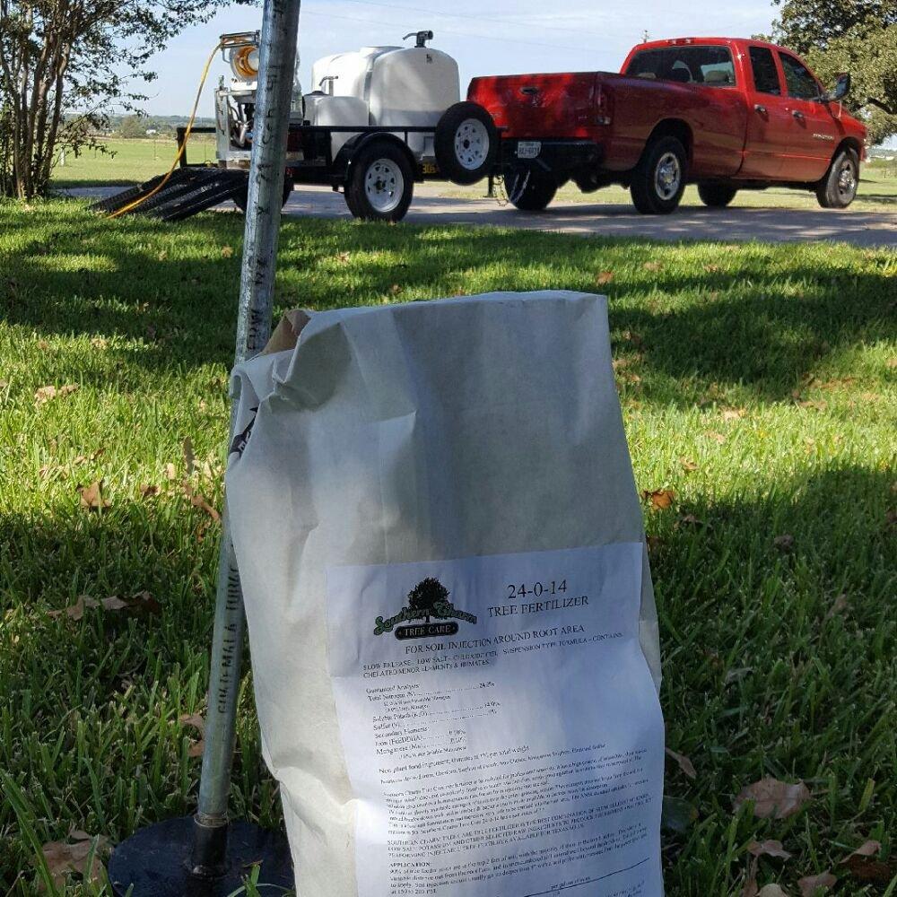 Southern Charm Tree Care: 313 Lakeside Oaks Cir, Lakeside, TX