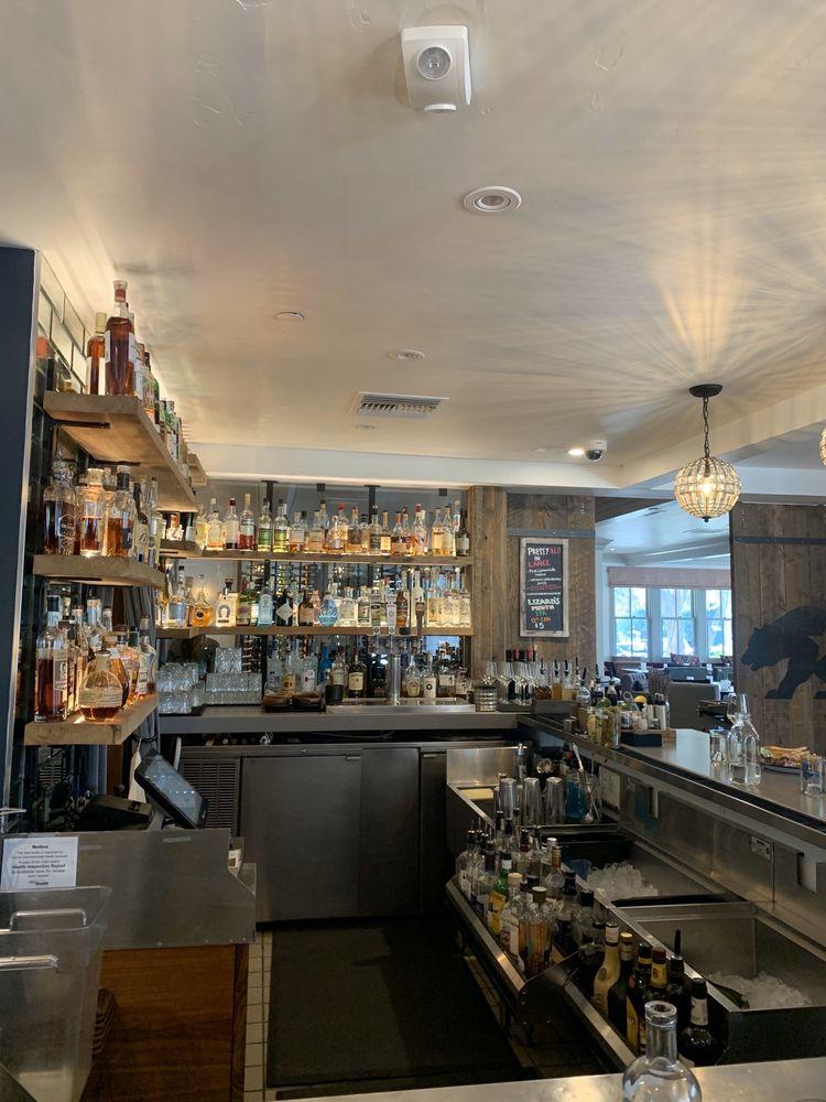 Fess Parker Wine Country Inn: 2860 Grand Ave, Los Olivos, CA